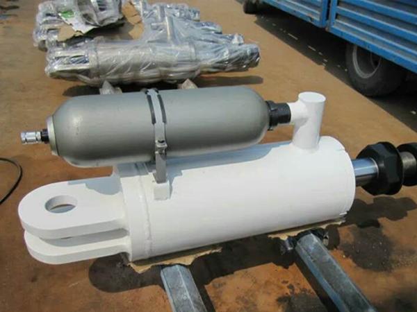 HP800高效能破碎机保险油缸